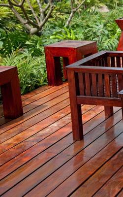 http://i-cms.linternaute.com/image_cms/250/551566-entretenir-le-bois-exotique.jpg