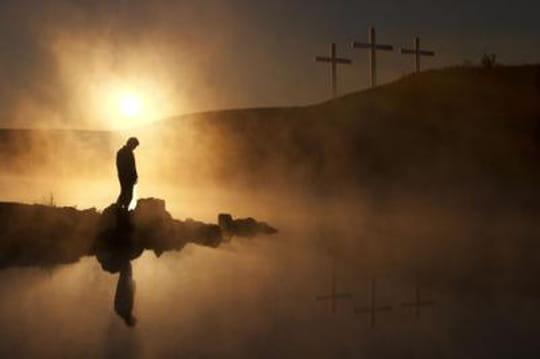 La mort et la résurrection de Jésus sont les deux face d'une meêm pièce